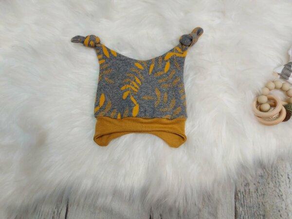 Knotenmütze aus Sweat, Blätter semf, KU: 37-56 cm